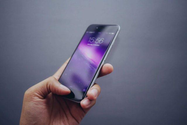 swiping lockscreen to earn money